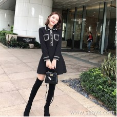 European station 2018 autumn women's early autumn Hepburn skirt fashion feminine dress Korean version of the little black skirt tide