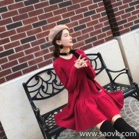 European station 2018 new autumn and winter retro small red dress with a slimming and festive red knit dress