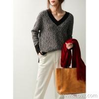 の[ZY158711VG] 笑涵阁 Fashion high-grade V-neck wide wool crochet sweater
