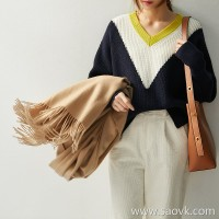 の[W565199] Not ordinary, not basic color art! Full wool loose irregular sweater