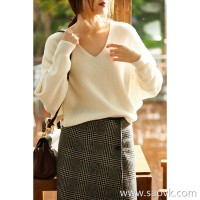 の[ZY158771AG] Laughing Hange will bring warmth into the arms. Skin-friendly full cashmere V-neck sweater sweater