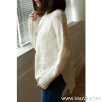 の[W565107]笑涵阁 Falling shoulder sleeves Light and delicate texture Side slits Full cashmere turtleneck sweater