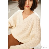 Small insects creamy white loose loose V-neck twist warmth thick autumn and winter wool sweater sweater women