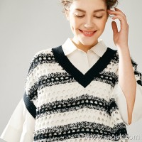 Small insects Italian imported yarn Elegant college wind retro black and white striped pick hole V-neck knit vest female