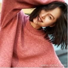 Small insects imported from Italy yak wool wool head loose round neck warm sweater sweater female 2018 new