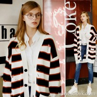 Small worm lazy wind hit color striped hole loose thin knit cardigan coat female 2018 new autumn and winter