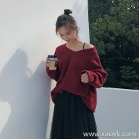 Lazy wind sweater female 2018 Korean version of the winter loose round neck pullover top super fire wild knit top