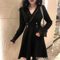Sandro Moscoloni 2018 autumn new V-neck long-sleeved black dress waist temperament bottoming dress