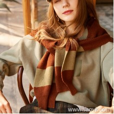 Wind home Warm winter girl fan! Fake two-piece hem white tide brand letter brushed sweater MZ0850
