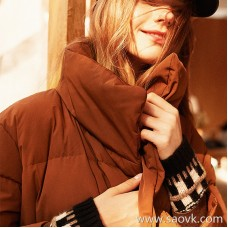 Wind home is very expensive texture! Mocha Golden Brown Seiko Long Mid-Fluffy Warm Down Jacket YR0111